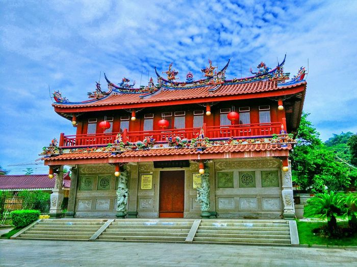 Architecture Built Structure Building Exterior Low Angle View Sky Culture Religion Cloud - Sky Temple - Building Tradition Place Of Worship Cloudy Taking Photos Hi! Traditional Building Place Of Worship EyeEm Architectural Feature Traditional Culture