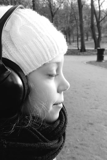 Girl Beautiful Young Poitrait Black And White Black & White Listning Music Music Listening Close Eyes Enjoying Life Profile Side Face Cap Capture The Moment Creative Light Sun Rays Nature Wasiak Moto X Park Headphones