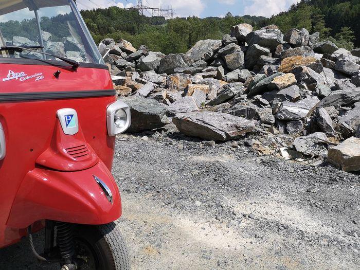 APE im Steinbruch Rikshaw TukTuk Steinbruch Stonebrewing Red