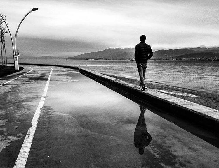 Gitmek asil bir davranış olsa bile yerindeyse gitmeli insan. Away From  Life Street Bw Reflection Nature Mirror Seaside Gulf