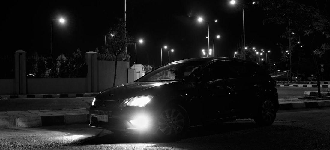 Leon Car Night