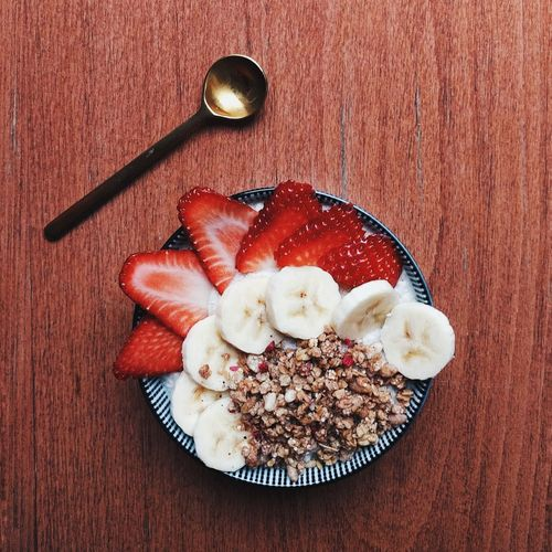 Healthy breakfast. Fruit Vegan Vegan Food Granola No People Breakfast Healthy Eating Healthy Food Bowl Ready-to-eat Strawberry Banana Food Foodporn Foodphotography From Above  Table