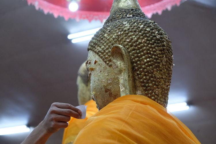 Asian  Gold Pray Thai Belife Buhdda Monk  Pay Water