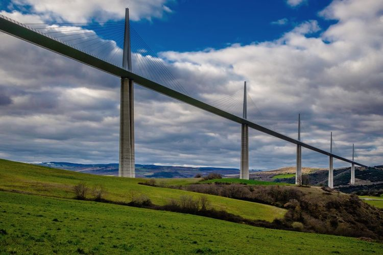 Norman Fosters Millau viaduct in France Millau Viaduct Millau France Norman Foster Viaduct Bridgesaroundtheworld Tallest Building In The World