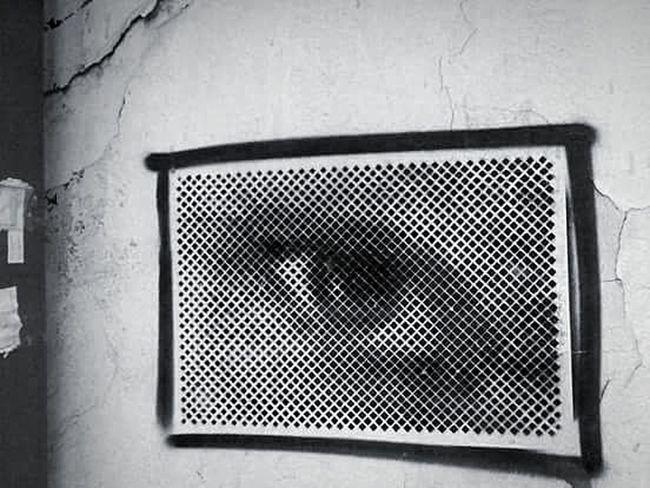 Monochrome Contrast Black & White Belgrade,Serbia Strret Art Streetphoto_bw Streetphotography Watcher Eye Eye4photography