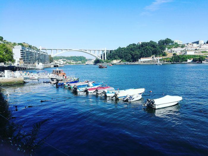 Taking Photos Porto Portugal 🇵🇹 ArrábidaBridge Boats⛵️ Douroriver Calm Portugal_em_fotos Quemvemeatravessa