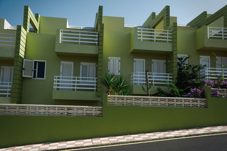 Green House Street Building Exterior Balconies Windows Green Wall Architecture Blue Sky Summer Tenerife Summer House Plants Holidays Linas Was Here 17.62°