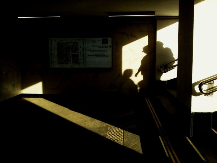 Streetlife Streetplay Life_streets Streetcollectors Streetphotography Street Photography Street The Street Photographer - 2018 EyeEm Awards Shadow Silhouette Army Soldier Sunlight Men Architecture Built Structure Sky
