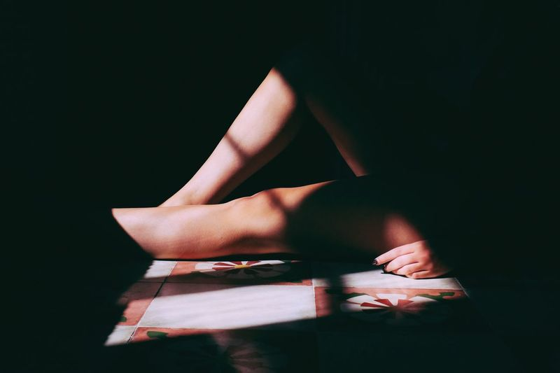 Light And Shadow VSCO Cam VSCO Shadows & Lights Light And Shadows Composition Legs Atmosphere Model Indoors  Shadows Girl Relaxation Fujifilm_xseries FujiX100T Vscocam Vscogood Geometry The Week On EyeEm Fresh on Market 2016 Break The Mold Creative Space
