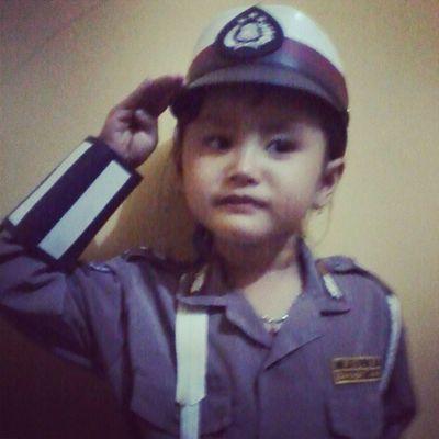 bu polisi hormat. My Niece  2night INDONESIA insta_good insta_woman kid fun