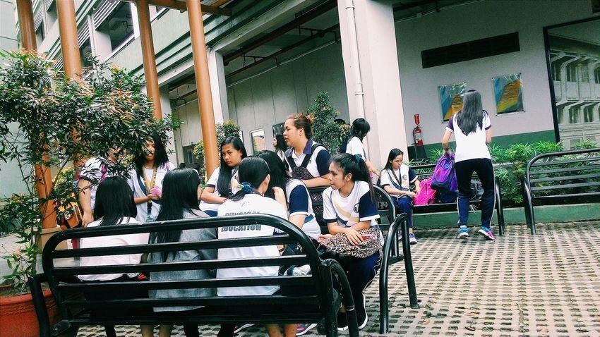 Bonding time while waiting for the next class. MRSHANELAONG Com151 NUHARTAP Nuartapp BuhayNationalian