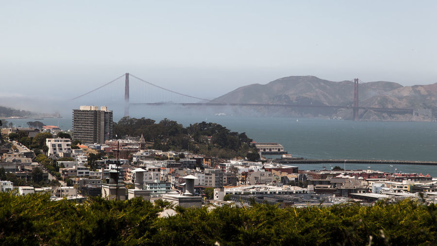 Gold Gate Bridge Sightseeing Tourist US Of A USA Archtitecture Bay Cable Bridge Connecting Connection Destination Fog Iconic Landmark Low Cloud Ocean Road Trip San Francisco Bay Spanning Tourism