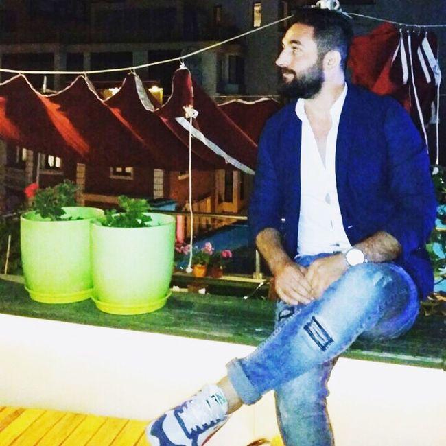 Galata kulesı konak kafe istanbul @istanbul @bluesea Black & White Yellow First Eyeem Photo Dalga Deniz @BlueMarlin Black And White