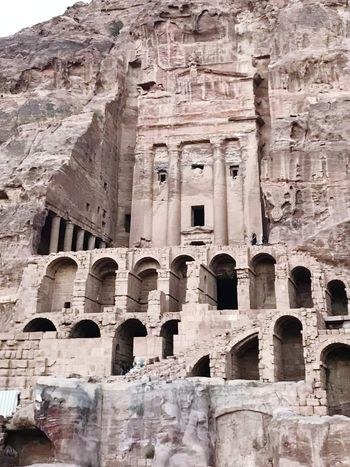 petra Jordanie Monuments Sroud Ancient Civilization Ancient History Old Ruin Ancient Architectural Column History Rock Face Rock - Object Archaeology The Past Run-down Arch Weathered Bad Condition Place Of Worship Tomb Civilization Deterioration Obsolete Archway Ruined Amphitheater Damaged Peeling Off Rusty Abandoned