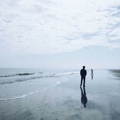 Sea Full Length Horizon Over Water Sky Men Beauty In Nature Beach Day VSCO Iphonephotography 一毛