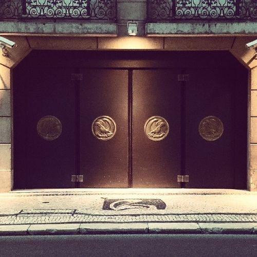 One of the coolest doors I've seen! Lisboa Montepio RuaDoOuro