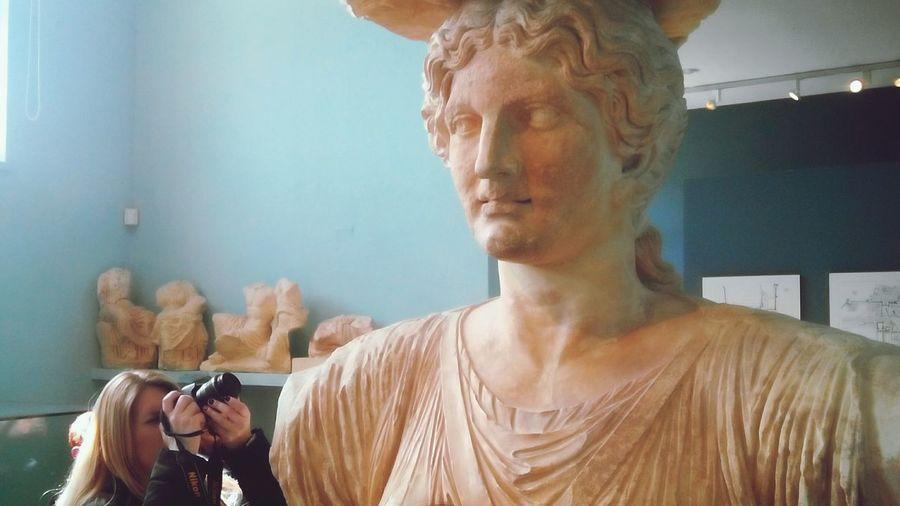 Ancient Greek Ancient Greece Light Inspiration By Friend Photographer Statue First Eyeem Photo Kariatida March καρυατιδα Girltakenaphoto Girltakingphoto Women Who Inspire You