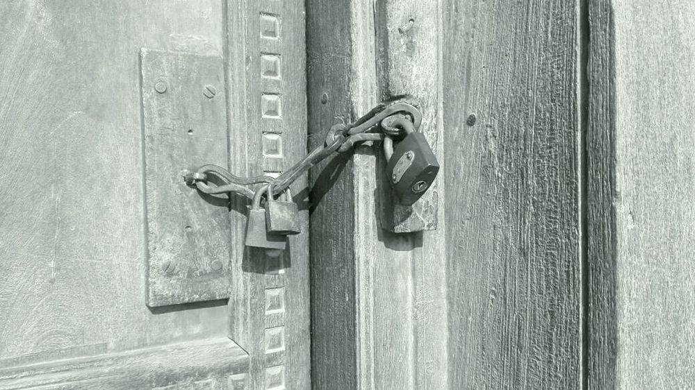 locks over locks, I escaped Obsession Insecurity Black Friday Locked Doors Secret Treasures Black N White Prisoners Abstract My Unique Style Rethink Things The Still Life Photographer - 2018 EyeEm Awards