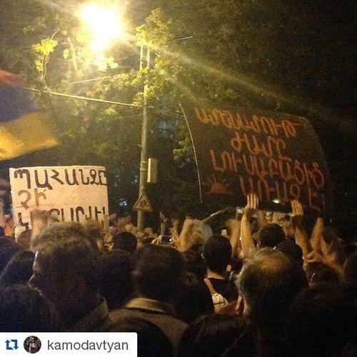 Repost @kamodavtyan ・・・ Պահանջը չի կատարվել։ Ամենամութ ժամը լուսաբացից առաջ է ։ճ Electricyerevan Highvoltage ոչթալանին