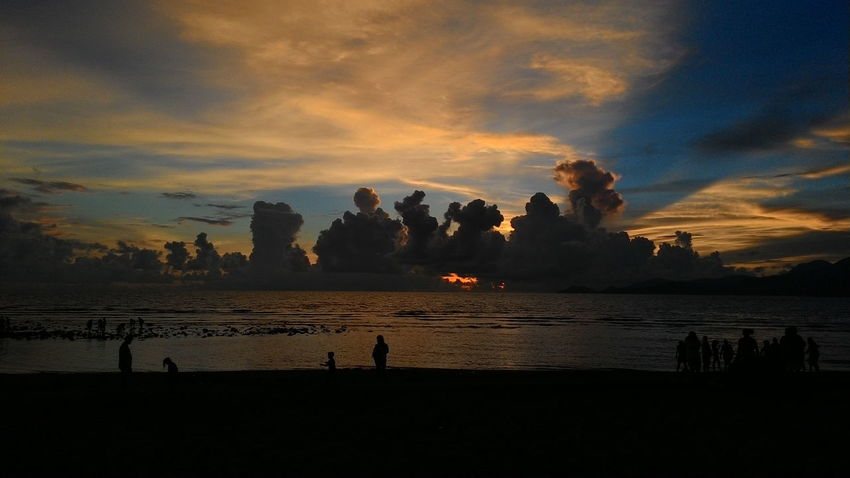 Sunset at Morong, Bataan, Philippines Sunset Silhouette Landscape Outdoors Water Nature Travel Destinations Travelgram Travel Travelphotography Bataan Philippines BataanBeach Beach Photography sunset #sun #clouds #skylovers #sky #nature #beautifulinnature #naturalbeauty photography landscape Sunset And Clouds  EyeEmNewHere