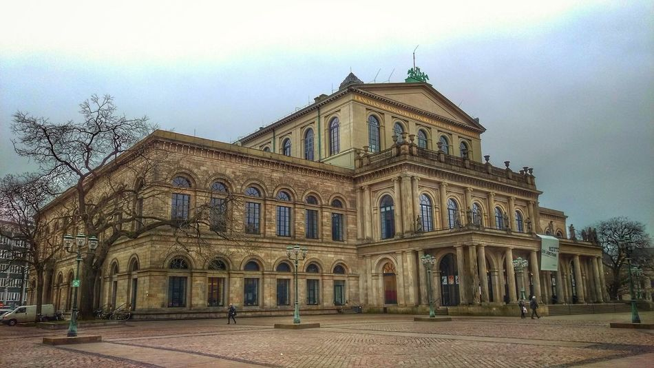Staatsoper / Opera Operahouse Opera House Theater Theater Photography City Politics And Government Façade Sky Architecture Building Exterior Built Structure Historic History Historic Building The Past Amphitheater Archaeology Old Ruin Castle Civilization Dome