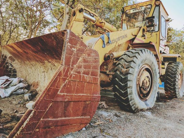 Rusted Backhoe Loader🚜🚜 Transportation Mode Of Transport Land Vehicle Close-up Outdoors Metalbody Rusted Metal  Rusted Vehicle Rusted Colors Nexus 6p Photography Iloveyoujyotsna♥️ Muaaahhhh😘😘😘💋💋💋 3XSPUnity PatelMohit Photography Mojo-Jojo Rusted Backhoe