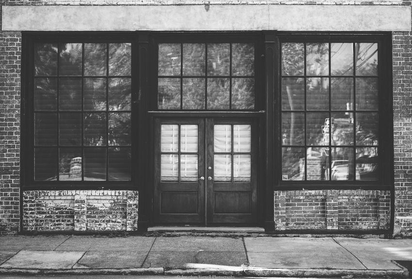 Window Day Architecture No People Built Structure Indoors  Building Exterior Entrance Blackandwhite Photography Black & White Photography Black&white Black & White Eyem Best Shots - Black + White Black And White Photography Blackandwhitephotography Charleston SC EyeEm Gallery EyeEm Best Shots Street Charleston City EyeEmbestshots Eyemphotography Architecture The Street Photographer - 2017 EyeEm Awards
