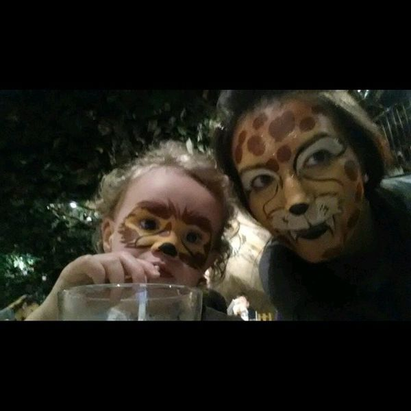 Me and my little niece Weanimals Wewilleatyou Twins Rainforestcafe cutebeyond?????????