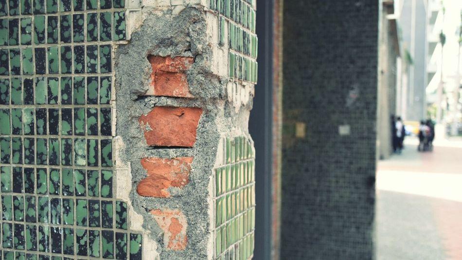 以磚砌柱。 Built Structure Brick Red Brick Tiles Green Tiles Old House Scene Scenics Close-up Taiwan
