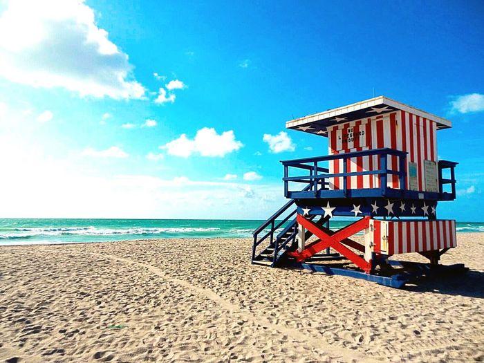 Lifeguard tower at Miami Beach Beach Photography Florida USA FLAG Traveling Ocean EyeEm Best Shots USA Lifeguard Station Lifeguard Tower Roadtrip USAtrip Nature United States Flag Enjoying The Sun Beach Empty Beach