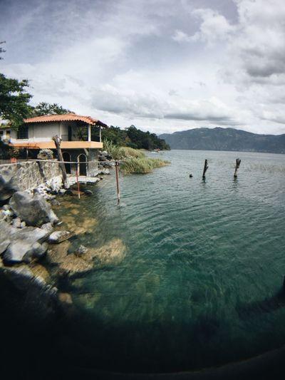 Es hermoso estar aquí 💙 Lake View Lake Atitlán Guatemala Beauty In Nature Beautiful Nature Camera I Love This Place Happiness