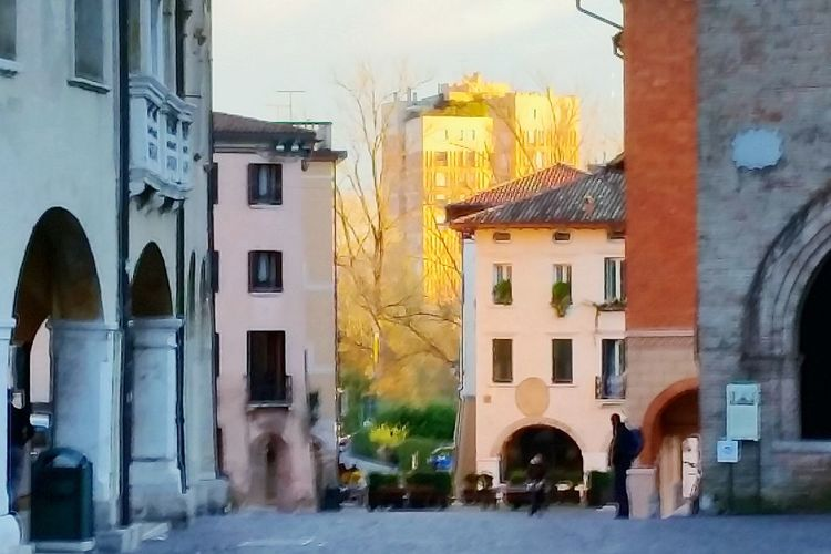 Golden Hour Pordenone Eufrasia Notes From The Underground Italy Cityscape City Lights Sky And City