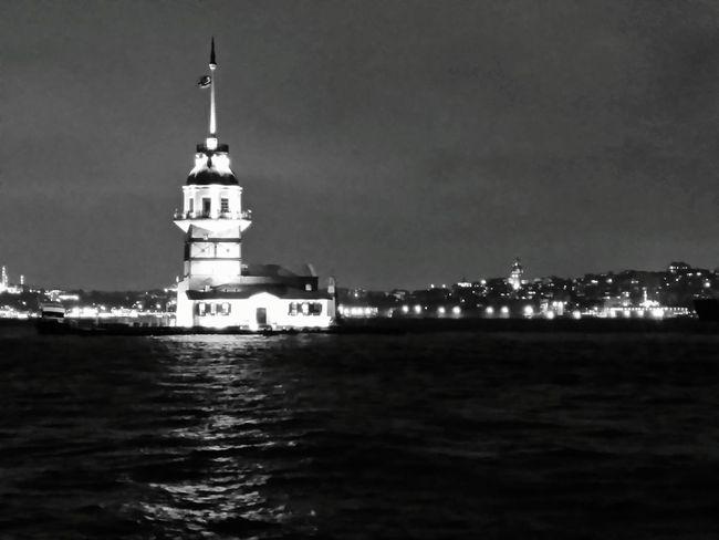 Kız Kulesi Üsküdar Kız Kulesi Black And White Black & White Popular Photos Night Lights Sea Istanbul Girl Tower Historical Tower
