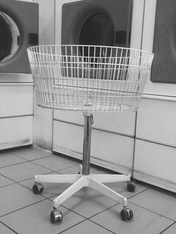 Towncenter Stadt Still Life Washsaloon Waschsalon Trocknen Trockner Waschen Stadtleben Cleaning Machine Cleaning DishesDirty Retro Style Nostalgic