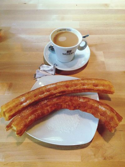 Tipico desayuno madrileño!! Mmmm... Eating Food Authentic Moments Good Morning Goodmorning Coffee Time