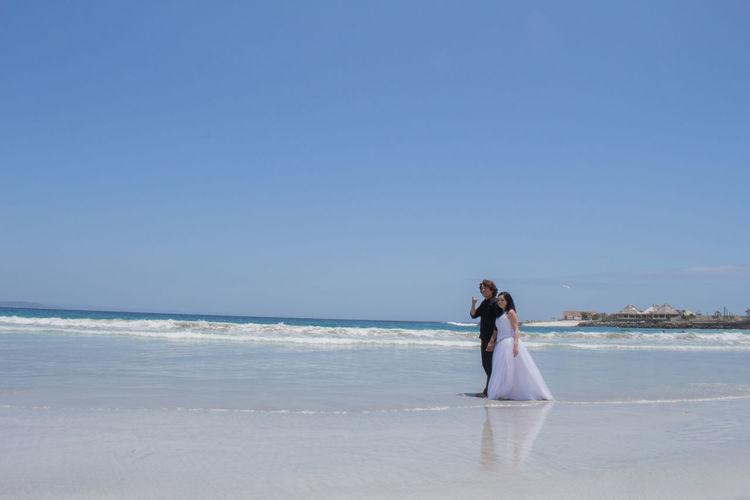 Foto de boda, fotografo de bodas. Beachphotography Fotografia De Bodas Love Love Story Taking Photos Trash The Dress Trash The Dress Wedding