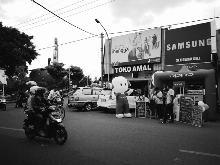City Corner OPPO INDONESIA Andrography Blackandwhite Malang, Indonesia OppoF1