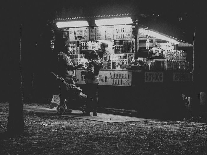 Family Pit Stop Street Streetphotography Streetphoto_bw Blackandwhite Monochrome Peoplephotography Bnw Shades Of Grey Learn & Shoot: After Dark