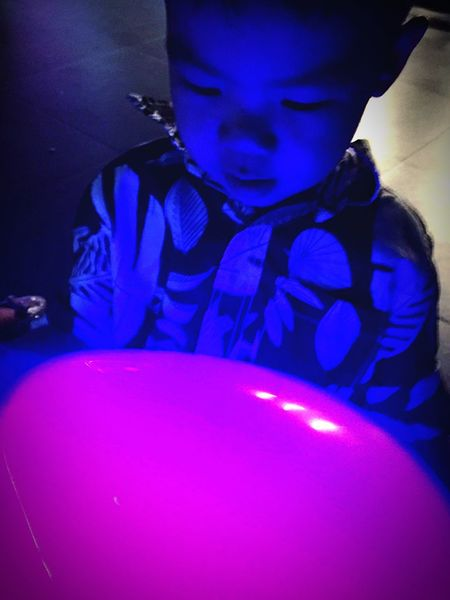 Dazzled Neon Neon Lights Balloons Glow Glowing Violet Purple Party Party Time EyeEm Eyeem Philippines Check This Out