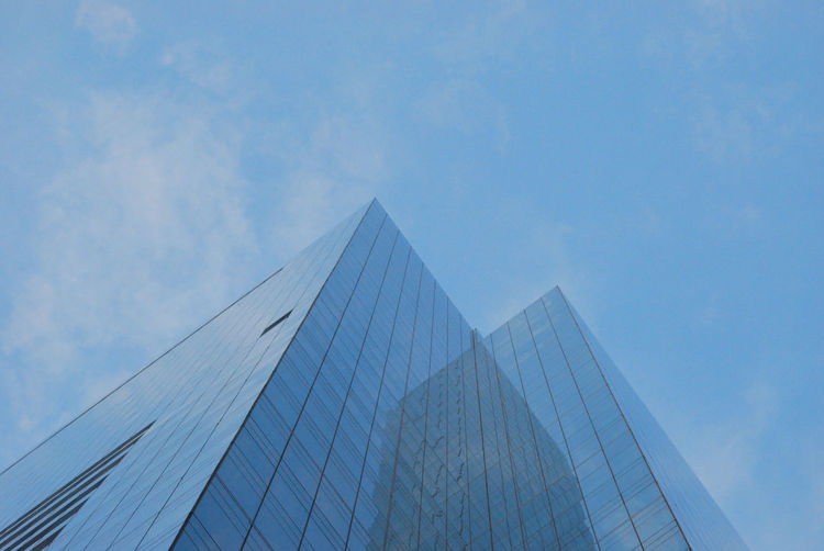 Building Facade in the City Architecture Building Exterior Built Structure Sky Modern Building City Low Angle View Office Office Building Exterior Glass - Material Nature Day No People Reflection Skyscraper Tall - High Cloud - Sky Outdoors Financial District