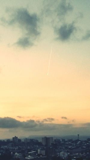 The lesser spotted durban vapour trail Durban Aviation Winter Sunset