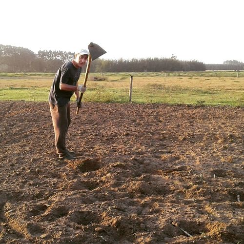 Agriculture Field Lifestyles One Person Outdoors Plantando Plantation