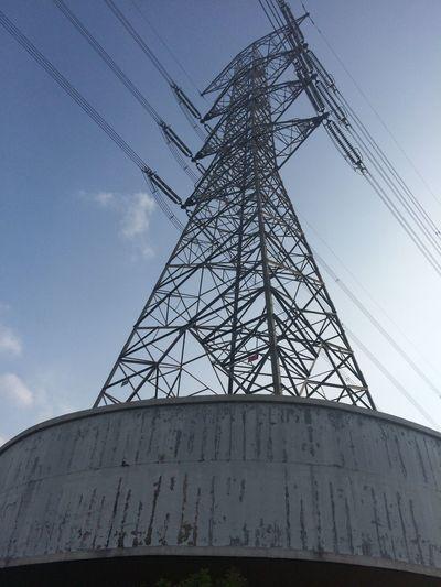 科技 Blue Sky Clouds Electric Tower  Iphone5s Iphonephotography No People Sky Sunnyday Taiwan Wire