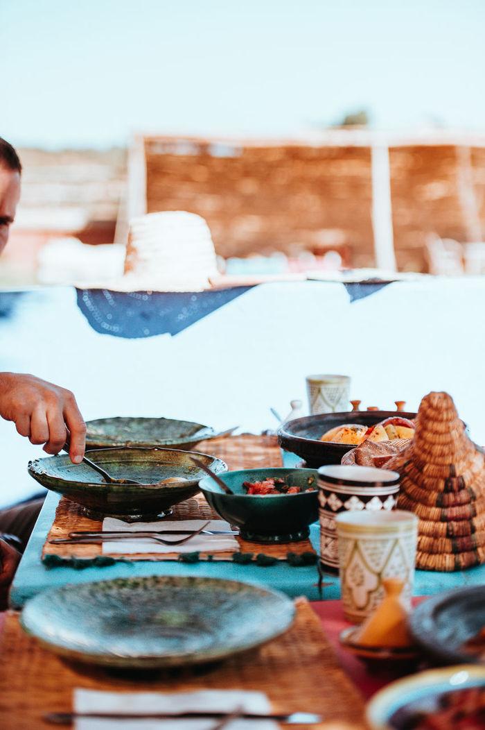Man preparing food in market
