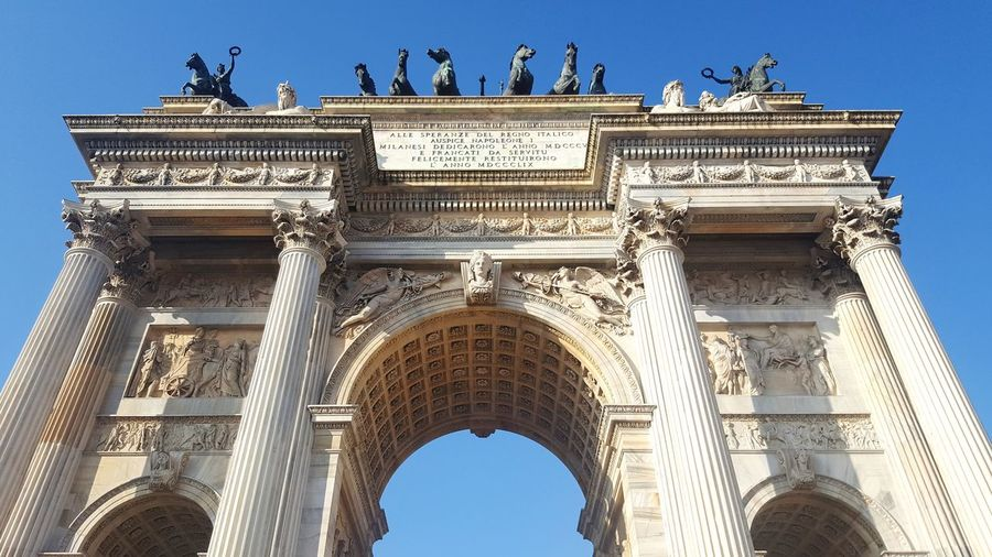 Milano Italy Architecture Spring City Triumphal Arch Clear Sky Architectural Column History Bas Relief City Gate Sculpture Arch Gate Archaeology Monument Ancient History