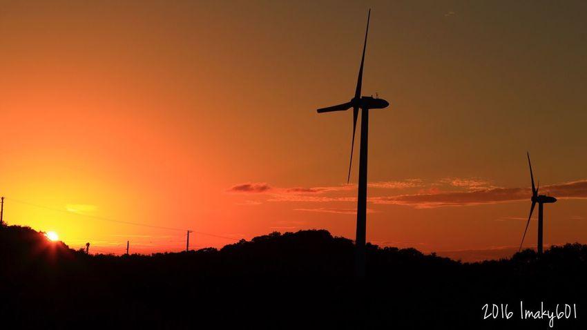 2016.10.10 風車(正しくは風力発電)フェチになりました。camera: Canon6d lens: EF24-105mm Japan 淡路島 風力発電 風車 Sunset Landscape EyeEm Best Shots 夕焼け 夕日