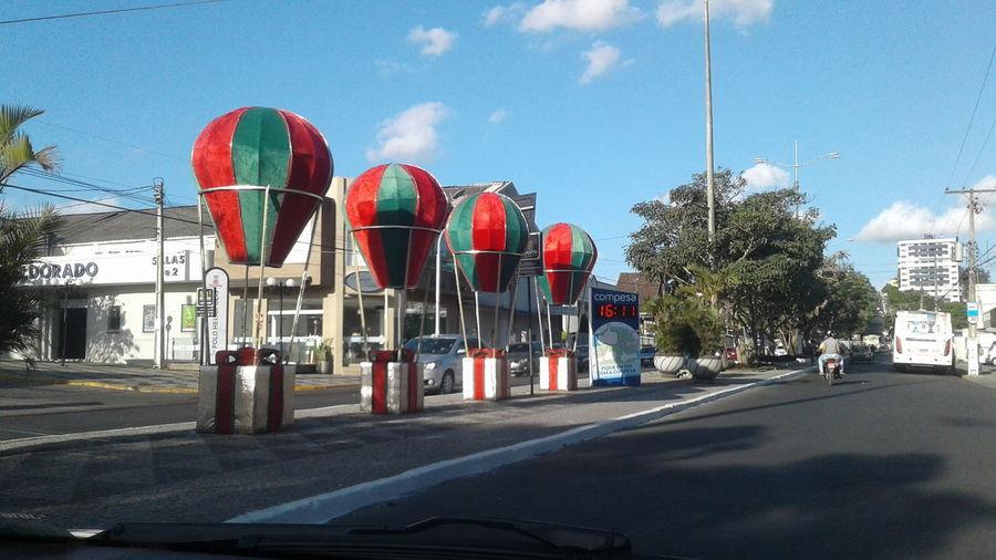 O Natal está chegando Natal Decoração Lúdico Tree Red Car Sky