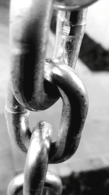 Every single one of us are chained and wr often forget that we have the key to unlock our full potential and break away from our insecurities that bind us. Chains Break Free Blackandwhite Soullessphotography Flawless Insecurities