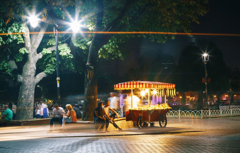 Bagel Bagels & Beans Car Cart Chestnut Chestnuts Corn Food Illuminated Istanbul Istanbul Turkey Long Exposure Night Open Air Outdoors Roasted Roasted Corn Roasted Corn Cart Simit Street Street Light Sultanahmet Tree Tree Turkey