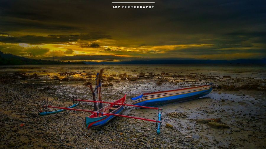 Happy beach Vibes Peace ✌ Beach Eyeemphoto EyeEm Gallery Lifestyles Sea Water Nautical Vessel Landscape Sunset No People Sand Travel Tranquility Tourism Cloud - Sky Nature Outdoors Summer Scenics Multi Colored Vacations Horizon Over Water Sky